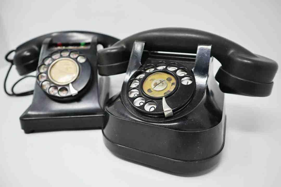 Qui a inventé le téléphone et en quelle année ?